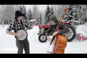Steve`n`Seagulls - You Shook Me All Night Long (versión de AC/DC)