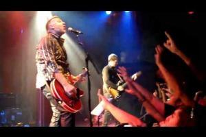 Love Will Tear Us Apart (Apolo, Barcelona 2010-10-10)