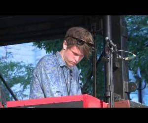 James Blake - CMYK  (Pitchfork Music Festival 2011)