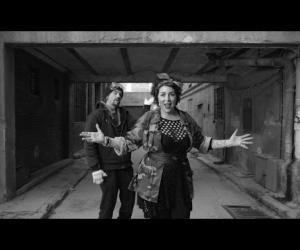 Amparanoia - El Coro de mi Gente (feat. Macaco)