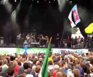 Foals - Mathletics (Live at Glastonbury)