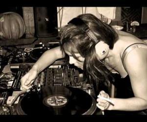 Nina Kraviz - I'm Gonna Get You - Mendo Remix