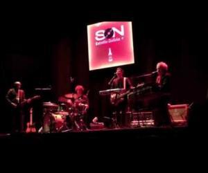 León Benavente - Las Hienas (Live @ Teatro Lara, Madrid)