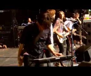 Phoenix - Glastonbury Festival 2010 (Full concert)