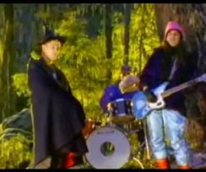 Dinosaur Jr - Out there