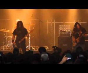 Red Fang - Sharks (Live at Hellfest 2011)