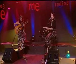 Las Migas - Me Mueve El Aire (Conciertos de Radio 3)