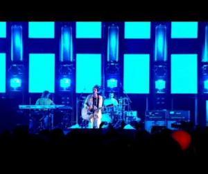 Travis - Sing (Live at Palace)