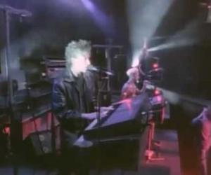 Depeche Mode - Everything Counts (Live 101)