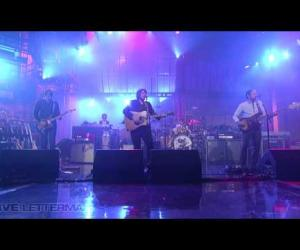 Wilco - War On War (Live on Letterman)