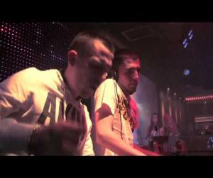 Dimitri Vegas & Like Mike - Under The Water