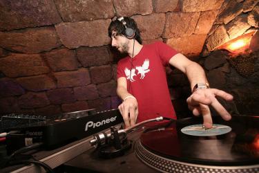 Marc Piñol (DJ de Mierda)